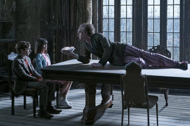 Netflixs New Lemony Snicket Series Looks Like An Unfortunate Dud 42337UNILAD imageoptim series unfortunate events olaf nph 640x426