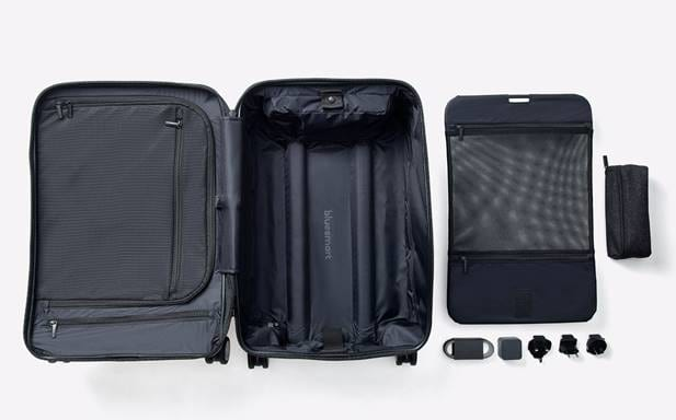 Bluesmart Black Edition Suitcase Review: Charge Your Phone On The Go 47798UNILAD imageoptim image003