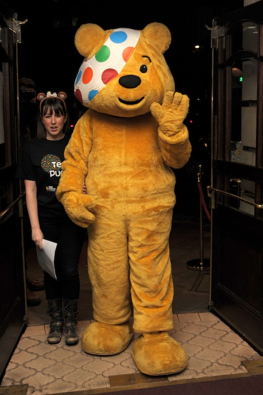 Pudsey The Bear Pictured With Young Girl With His D*ck Out 5013UNILAD imageoptim pudsey1