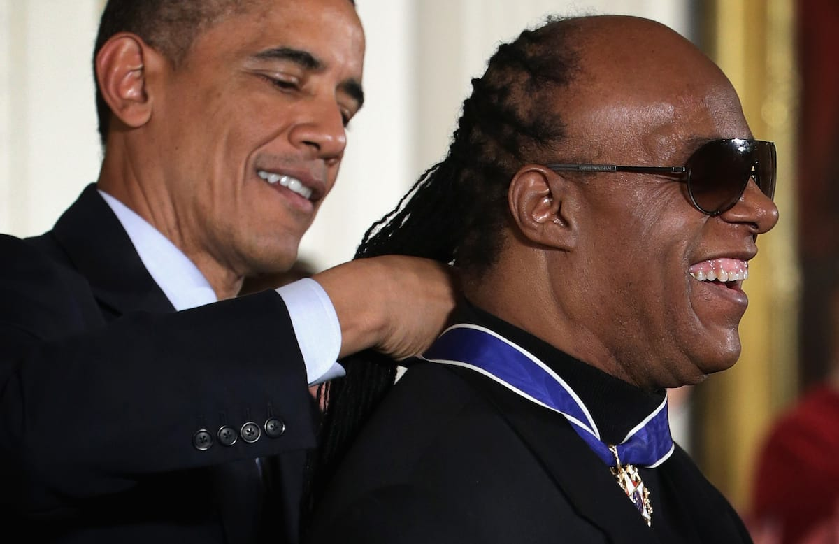 Theres Proof That Stevie Wonder Isnt Actually Blind 51642UNILAD imageoptim GettyImages 459528956