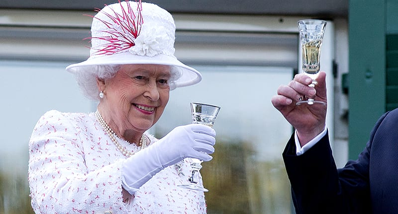 Heres How Much The Queen Spends On Food And Drink 55489UNILAD imageoptim queen spending food drink