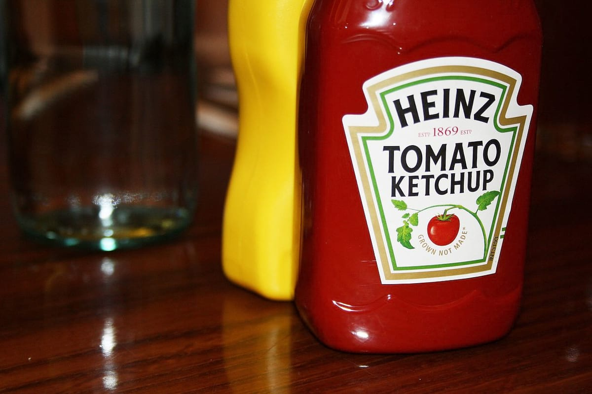 This Is Why Tomato Sauce Is Called Ketchup 58718UNILAD imageoptim Hard Rock Cafe Florence   Food and Drinks   Heinz Tomato Ketchup