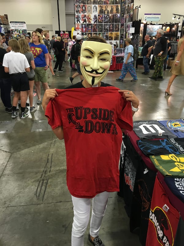 Eleven Went To Comic Con In Disguise And The Pics Are Hilarious 59208UNILAD imageoptim Milly bobby brown SLC 5