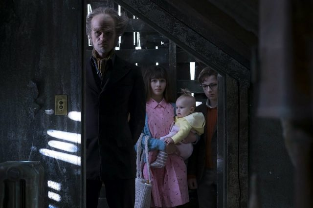 Netflixs New Lemony Snicket Series Looks Like An Unfortunate Dud 62587UNILAD imageoptim series unfortunate events olaf  640x426