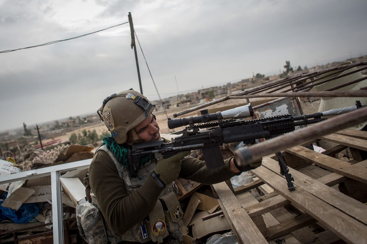 Meet The Sniper Protecting British Troops On The ISIS Frontline 62992UNILAD imageoptim GettyImages 623342966