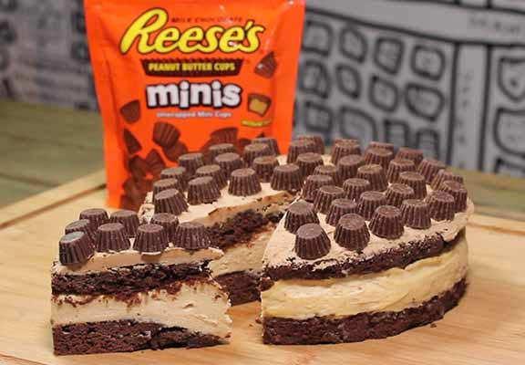 Heres How To Make Reeses Cheesecake 12536UNILAD imageoptim reeses web thumb
