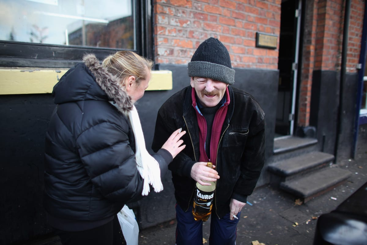 This Is What Its Like To Be Homeless At Christmas 28186UNILAD imageoptim GettyImages 135775159