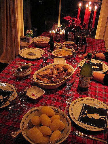 These Places Are Doing Free Christmas Dinners For The Lonely And Homeless 38304UNILAD imageoptim flickr Merete Veian