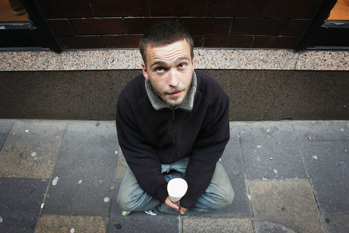 This Is What Its Like To Be Homeless At Christmas 54286UNILAD imageoptim GettyImages 55854637