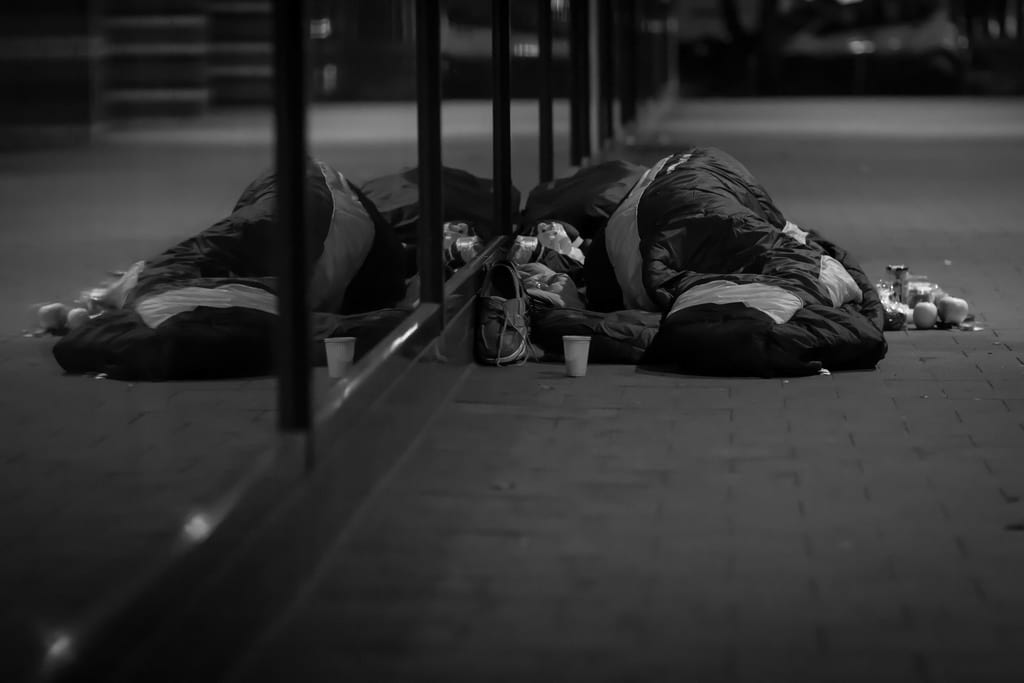 This Is What Its Like To Be Homeless At Christmas 58410UNILAD imageoptim 12790452674 d46b12265f b