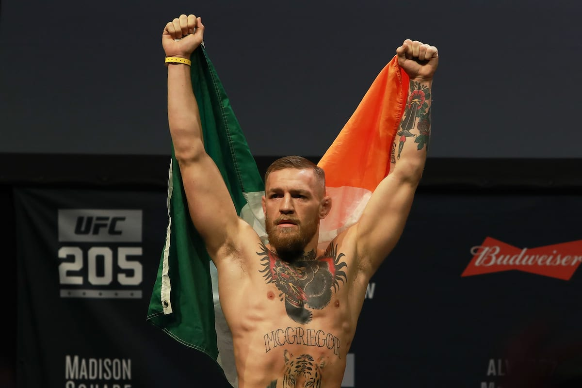 Conor McGregor Fires Very Personal Shots At Floyd Mayweather In Angry Tweet 25251UNILAD imageoptim GettyImages 622492118