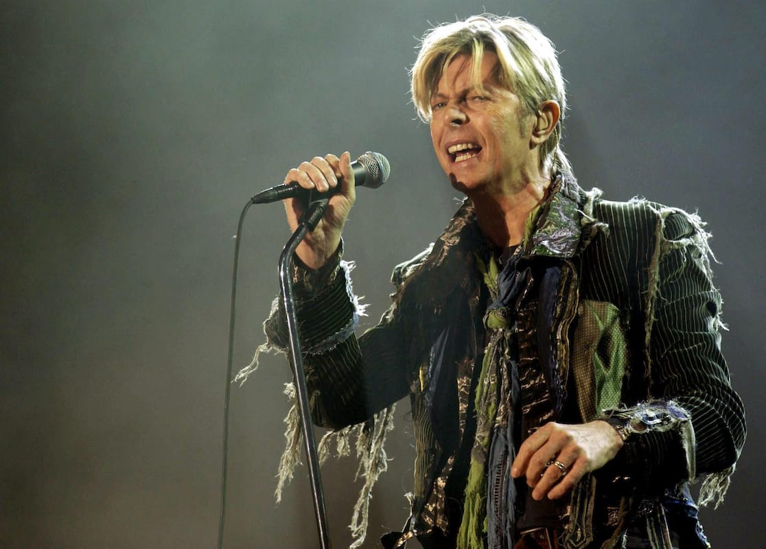 All The Times David Bowie Correctly Predicted The Future 34231UNILAD imageoptim PA 29648156