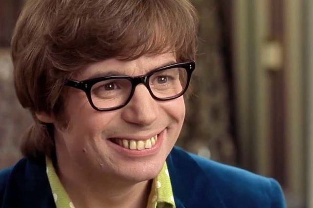 Mike Myers Hosts Gameshow For Six Months In Disguise And No One Notices 14103UNILAD imageoptim mike myers teeth austin powers 640x426