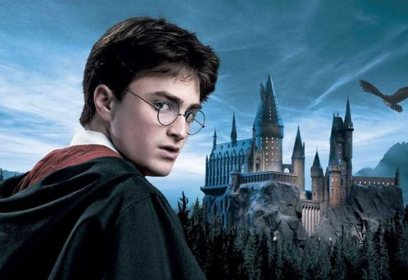 Daniel Radcliffe Says He Could Play An Adult Harry Potter 31652UNILAD imageoptim harry potter featured