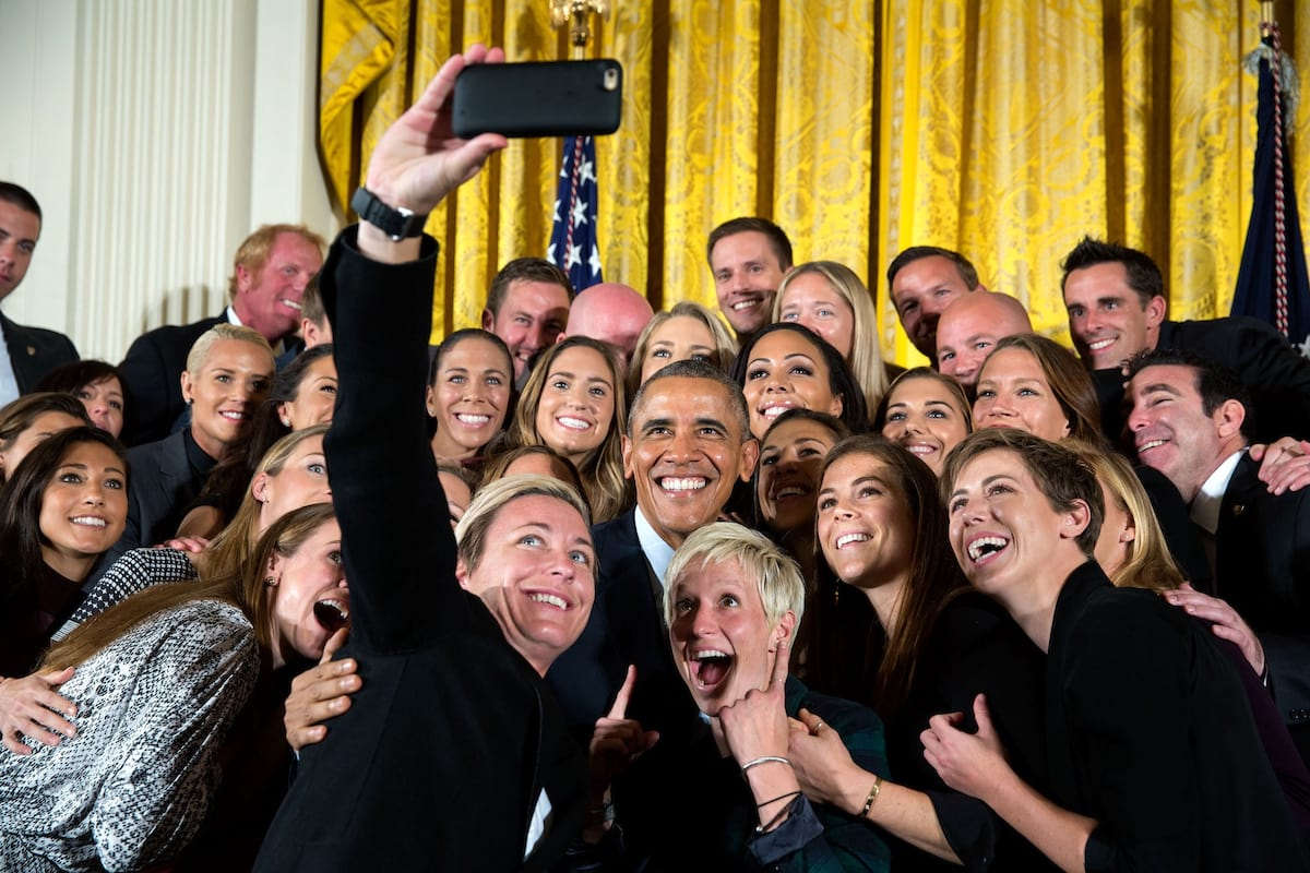 Heres What Would Actually Happen If Men Disappeared From Earth 578 Group selfie of the United States Womens National Soccer Team with Barack Obama