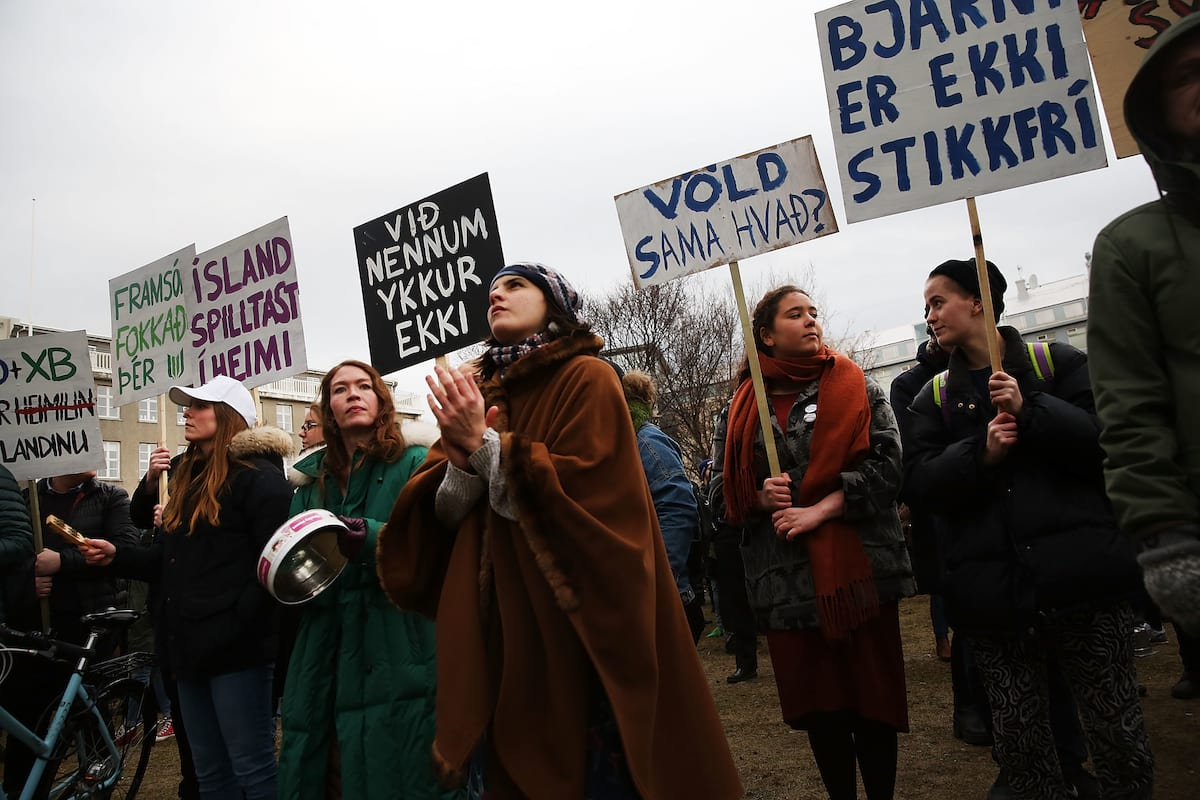 foto Iceland Becomes the First Country inthe World toMake Employers Pay Men and Women Equally
