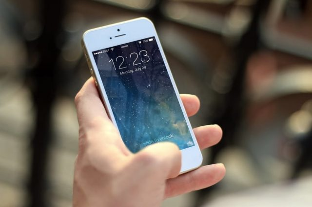 Apple Face Huge Lawsuit For Slowing Down Old iPhones %name