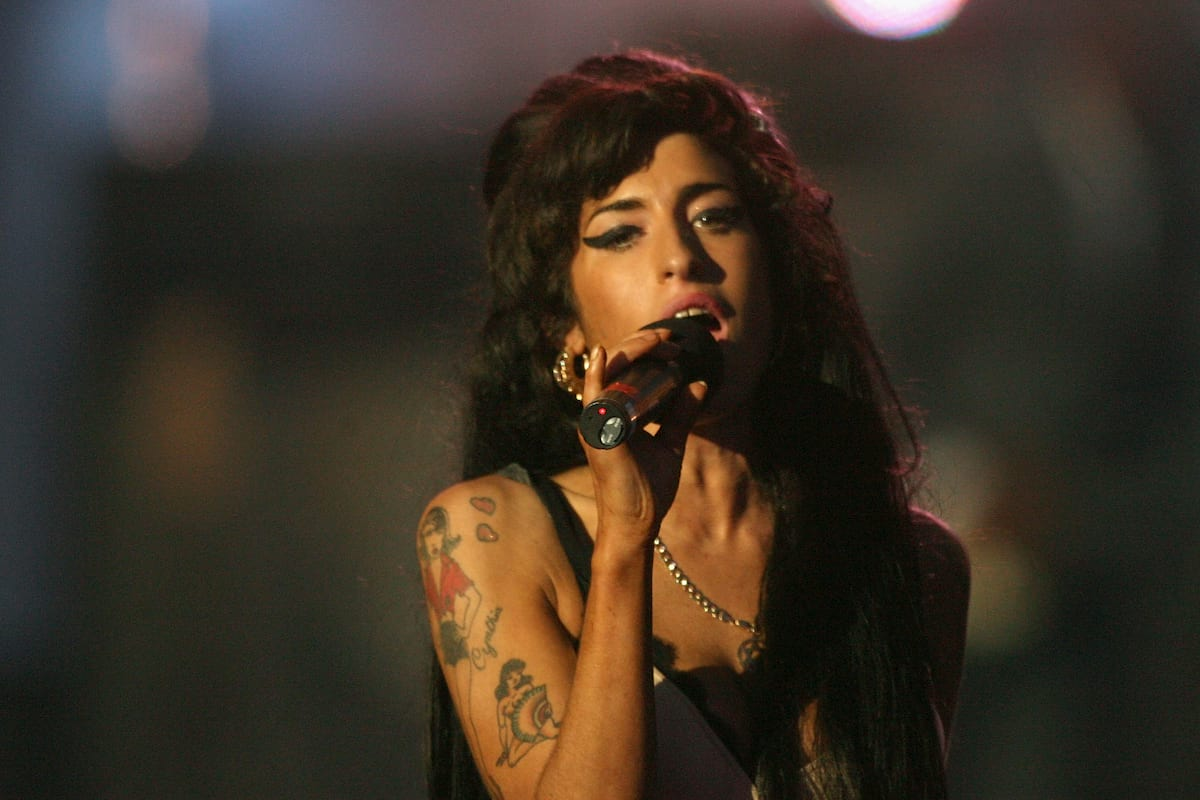 member of the 27 club, amy winehouse, singing live