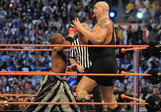 The Big Show Had Painful Request For Floyd Mayweather Before WWE Brawl