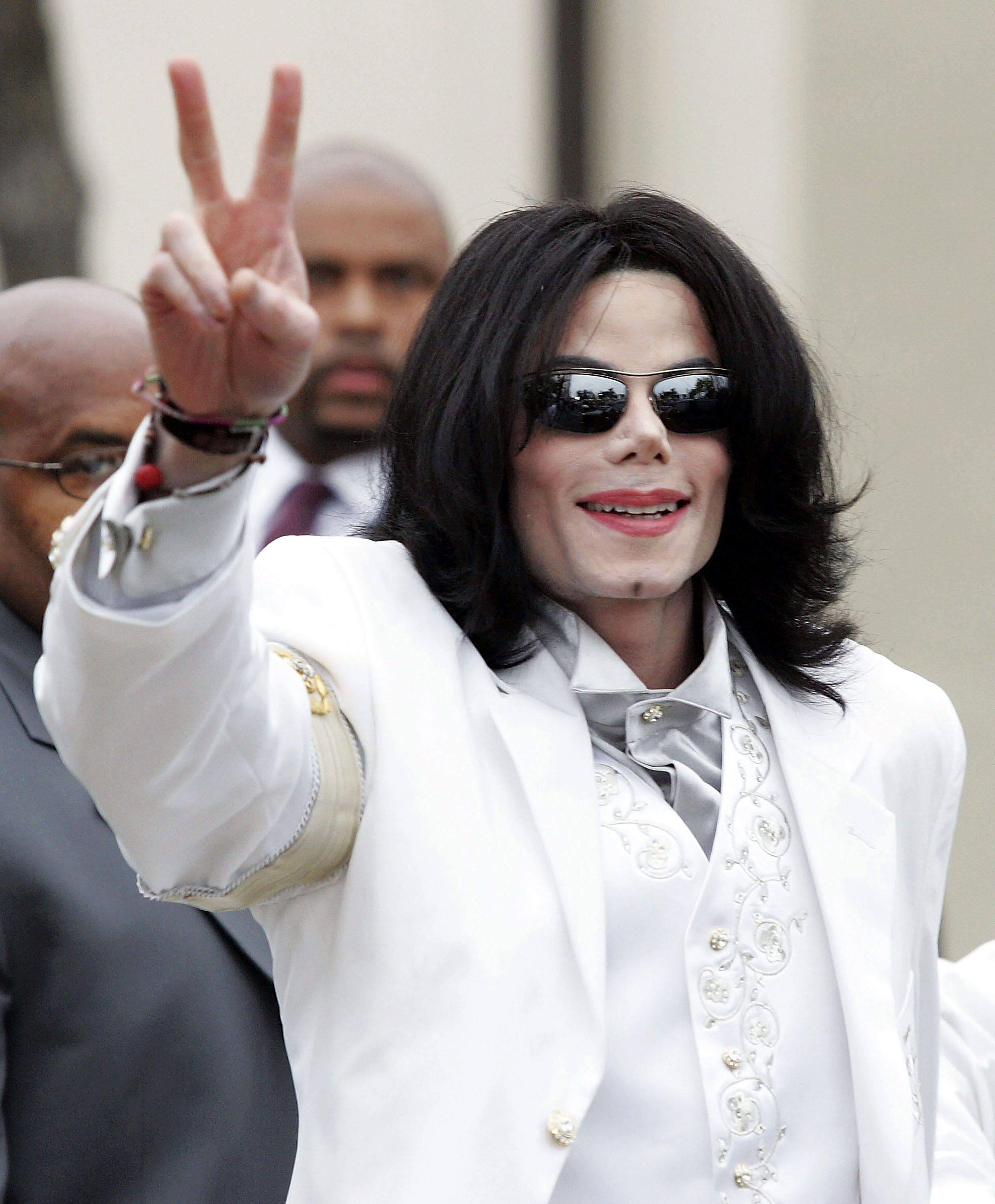 This Photo Proves That Michael Jackson Is A Time Traveller Apparently GettyImages 51317713