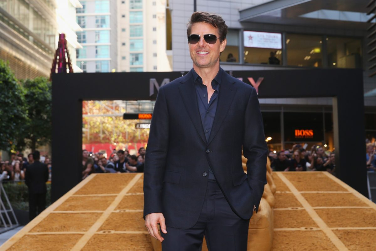 'Top Gun' sequel is 'definitely happening,' Tom Cruise says