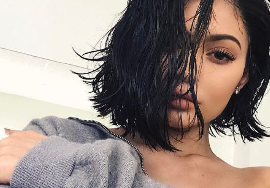 Kylie Jenner Gets Slaughtered For Showing Her Real Hair On Snapchat