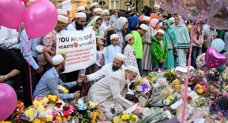 Muslims march to Manchester Arena to pay tribute to victims of attack