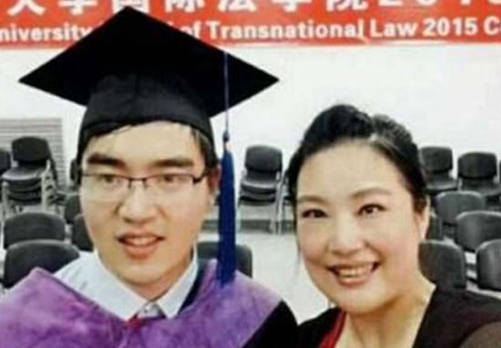 Disabled Guy Gets Into Harvard After Single Mum Refused To Give Him Up