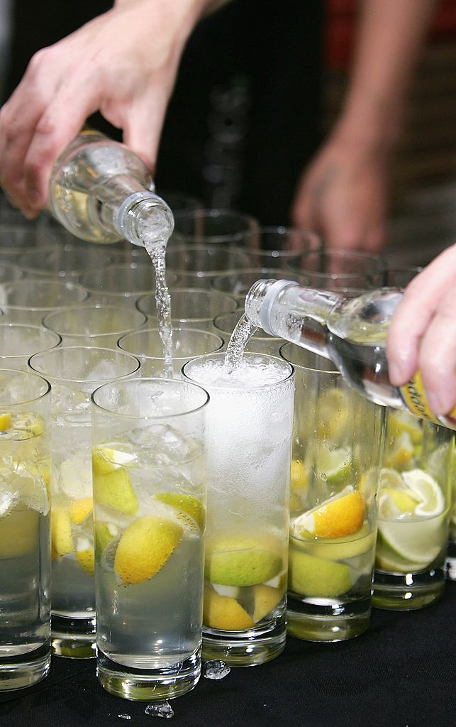 Drinking Gin And Tonic Helps Reduce Hay Fever Symptoms GettyImages 71573219