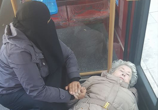 Picture Of Muslim Woman Helping Collapsed Old Lady Goes Viral