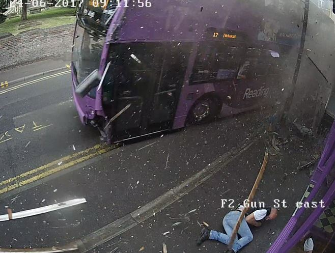 Guy Knocked Down By Bus Reveals What He Actually Did Afterwards simon smith crash 1