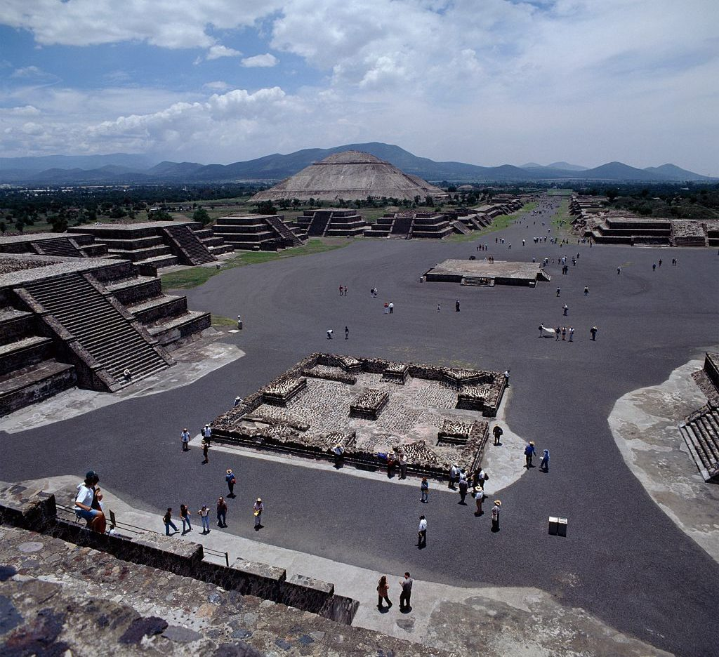 Archaeologists Make Amazing Discovery Underneath Mexican Pyramid GettyImages 548668991 1024x936