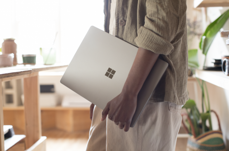 Microsoft Surface Laptop Review: Very Stylish And Secure Screen Shot 2017 07 13 at 13.48.05