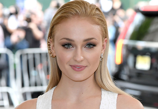 Sophie Turner Looks Completely Different In New Bikini Pictures Sophie Turner A