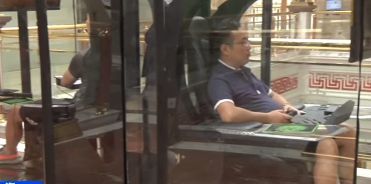 Shopping Centre Introduces Gaming Booth For Bored Husbands c1406e84596af0c41c2c4028706e4151