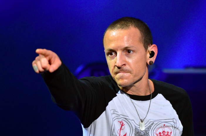 Korns Brian Welch Slammed For Calling Chester Bennington A Coward chester 702x464 1