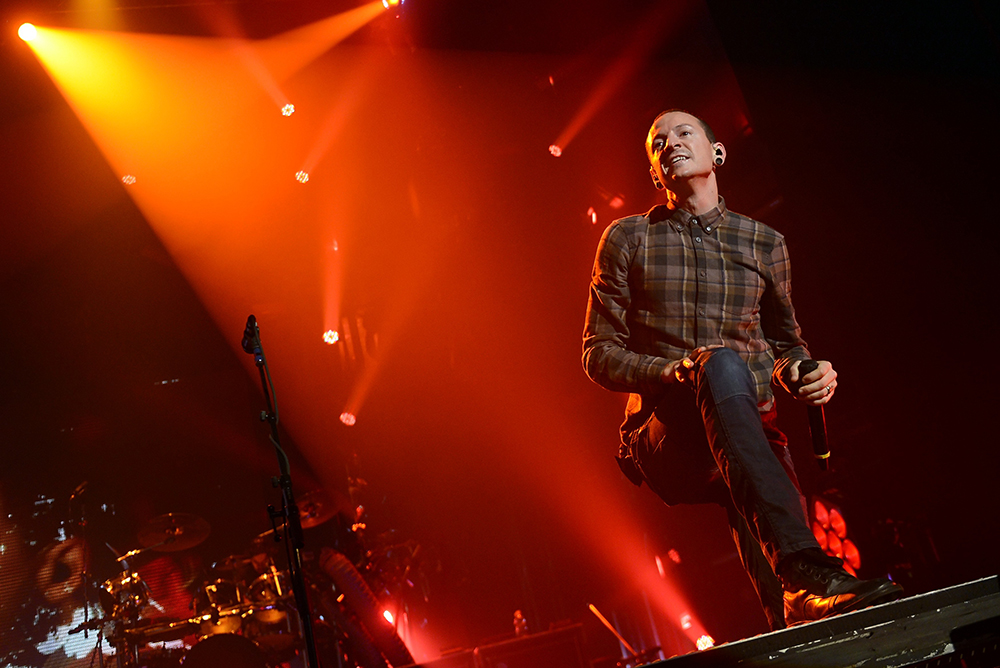 Linkin Park frontman performing on stage before Chester Bennington died