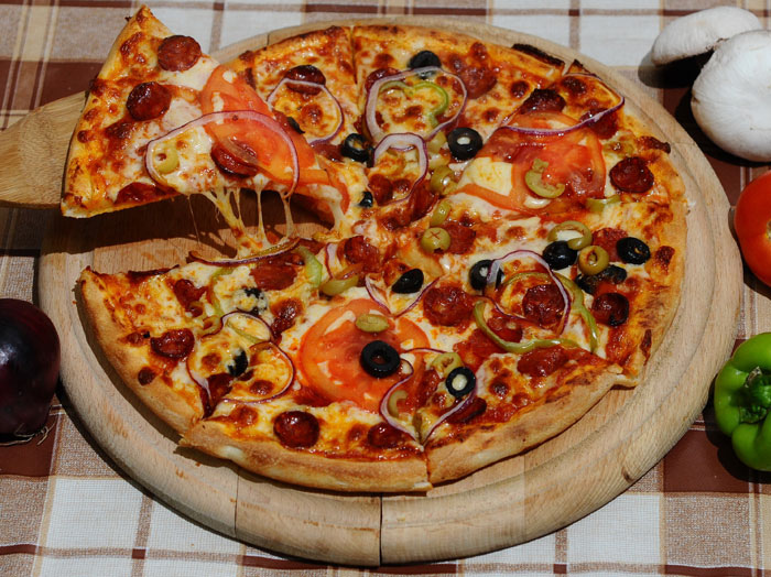 People Like Pizza More Than Their Friends, Study Finds 4932649430 3797a80ff2 b