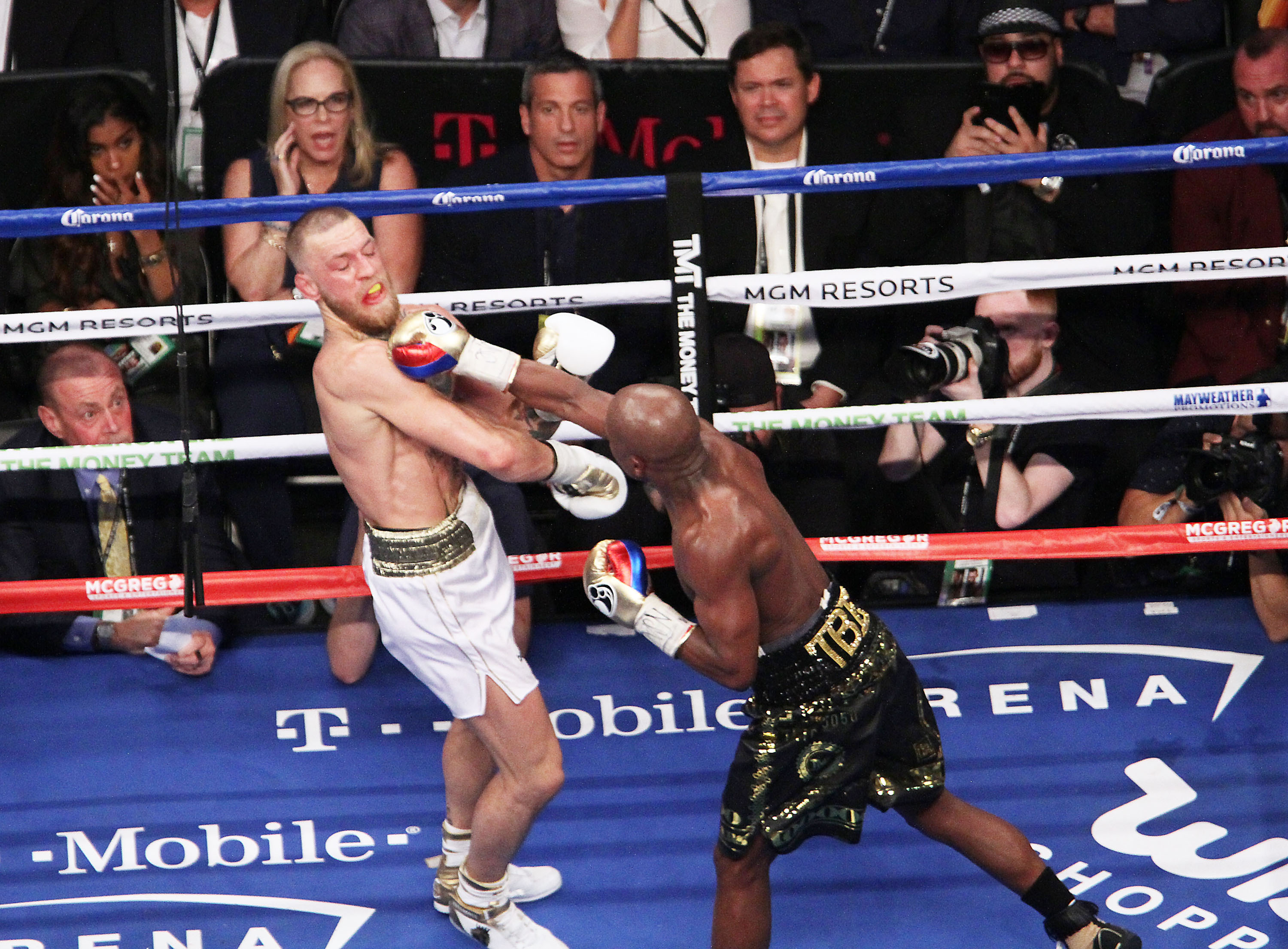 Mayweather Reckons Hed Earn $1 Billion For McGregor Rematch PA 32532748