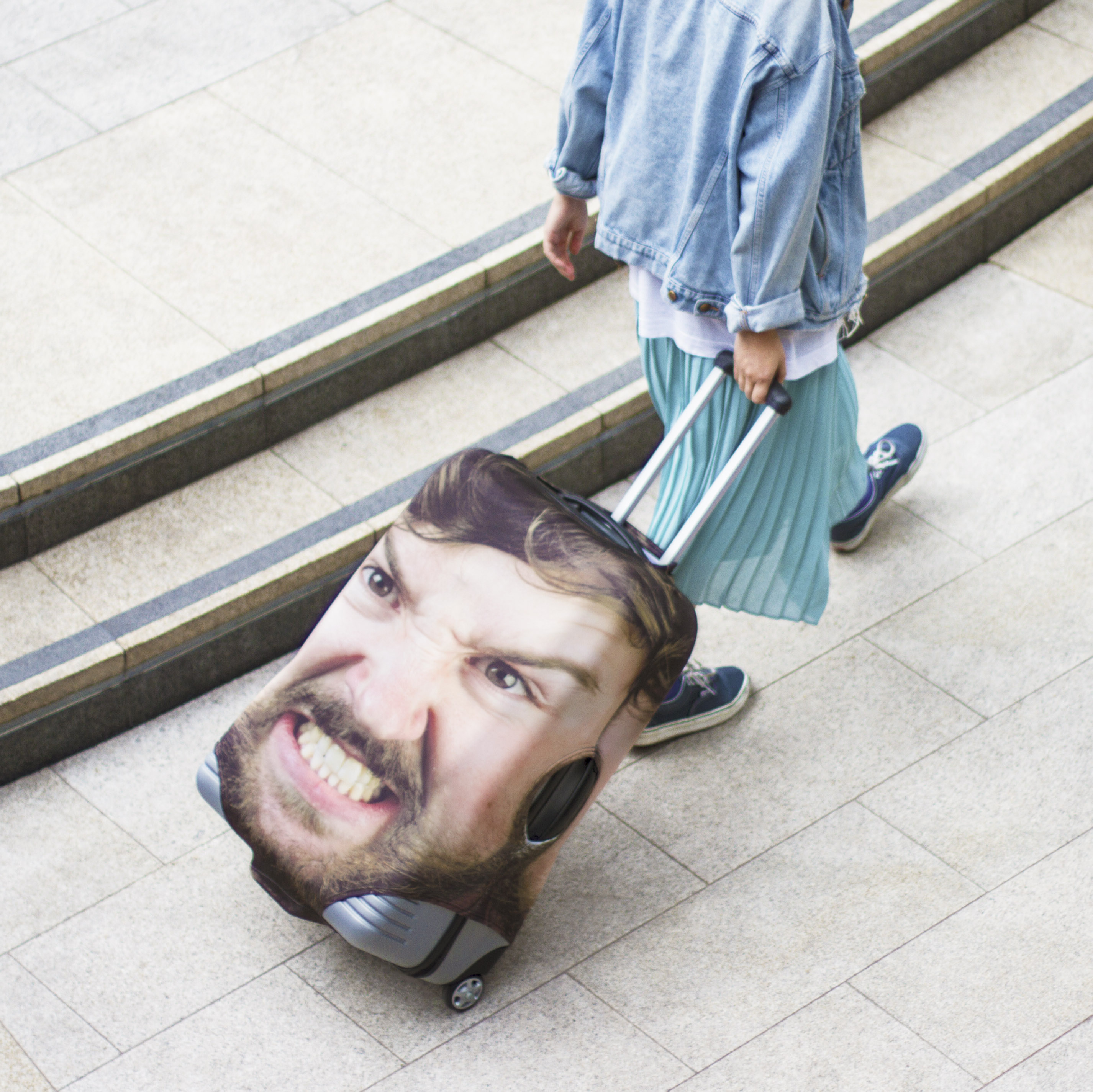 You Can Now Buy A Suitcase With Your Best Friends Face On head case 28879