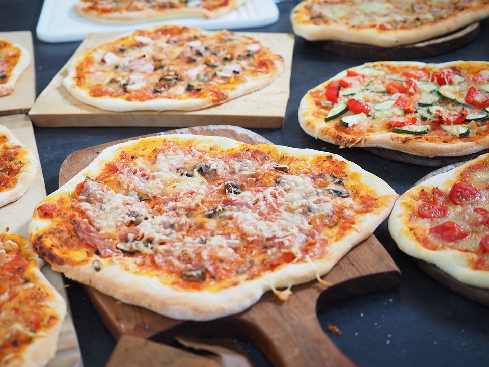 People Like Pizza More Than Their Friends, Study Finds pizza 2119633 960 720