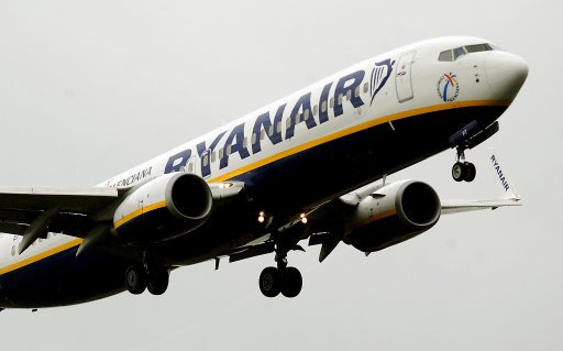 ryanair flight plane