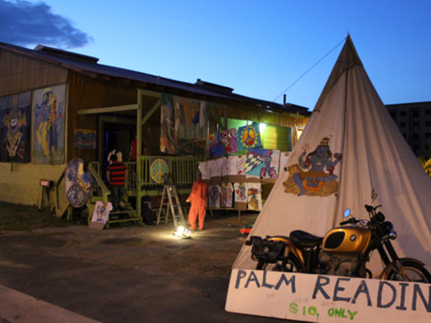 Going To A Psychic Can Be Strangely Comforting When Youre Feeling Vulnerable Palm Reader Tent 624x468