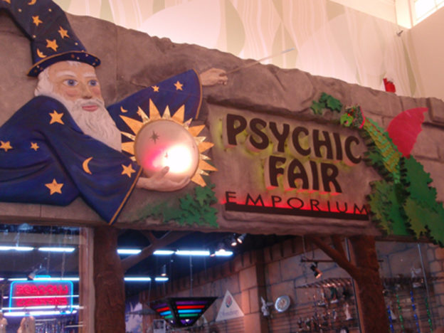 Going To A Psychic Can Be Strangely Comforting When Youre Feeling Vulnerable Psychic Fair 624x468