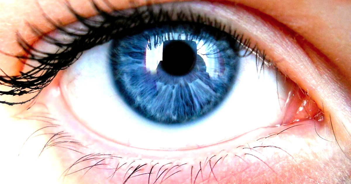 Dark Blue Eyes Natural