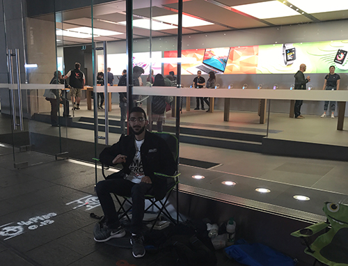 Apple Fan Camps Outside Apple Store For Ten Days Before New Release iphone camp web thumb