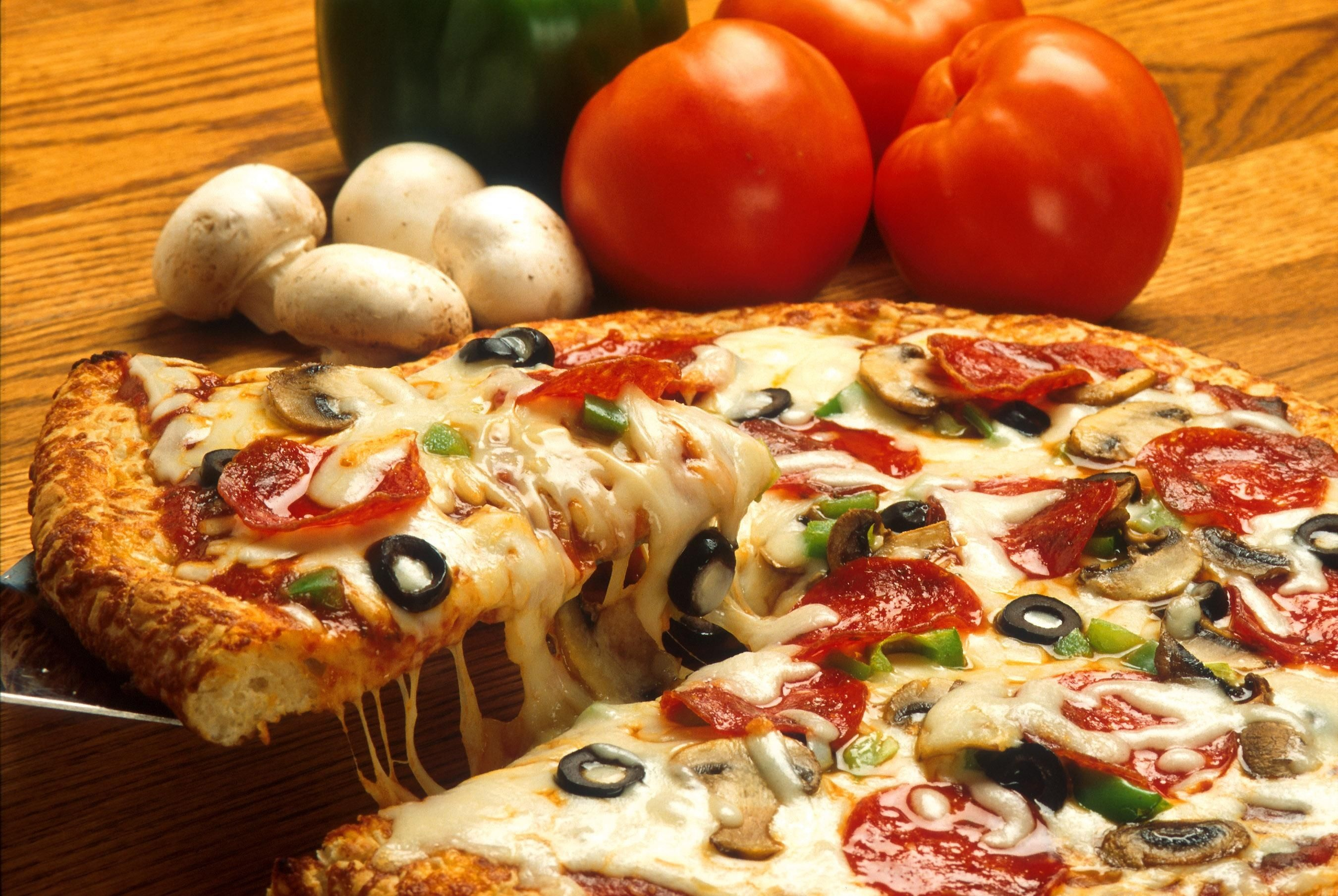 Pizza Might Be A Superfood In The Future, Nutritionist Says vegetables italian pizza restaurant