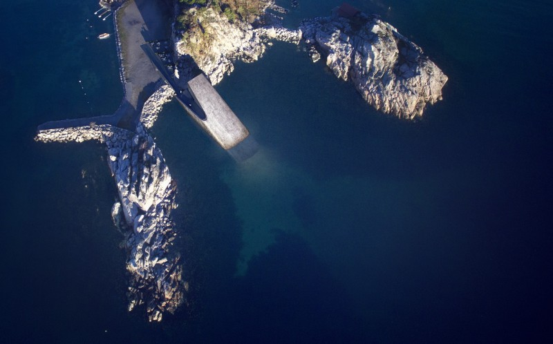 Europes First Underwater Restaurant Is Absolutely Breathtaking 018d8dff87d207f0f0a905cb95737ebd 800w