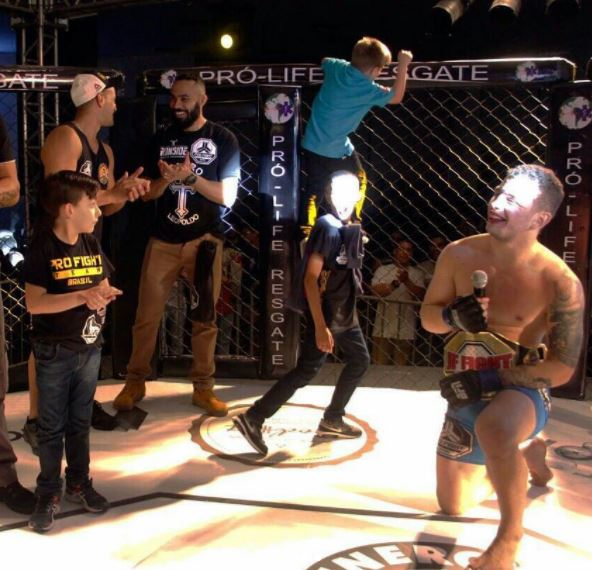 Guy Goes To MMA Event As Fan, Ends Up Winning Belt ALVIM 3