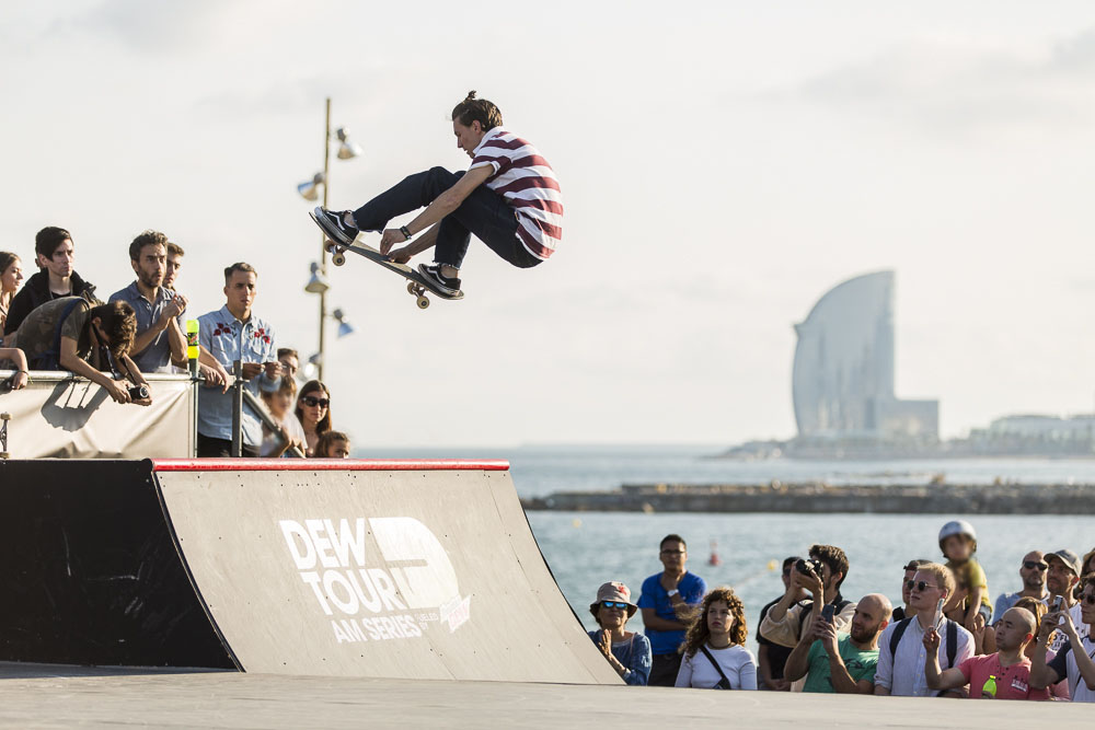Barcelona Is Basically Heaven On Earth For Skateboarders Dew Tour Am Series 2017 Simon Hallberg